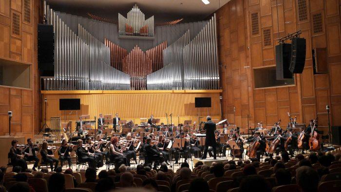 Valentin Răduţiu, Julien Salemkour şi Orchestra Națională Radio deschid stagiunea la Sala Radio