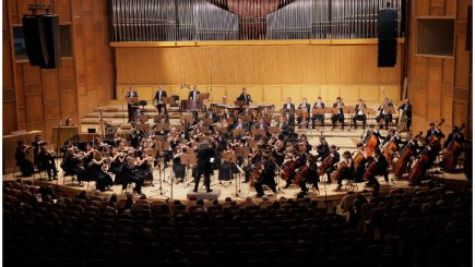 Recviemul german de Brahms, sub bagheta dirijorului vienez Sascha Goetzel