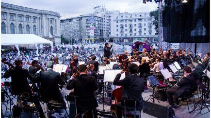 Concertele din Piața George Enescu încep cu o seară de operă