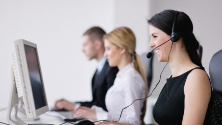 Outsourcing-ul a atras peste 60.000 de angajați și continuă angajările