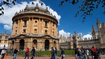 Un absolvent acuză Oxford în instanță pentru eșecul lui în carieră