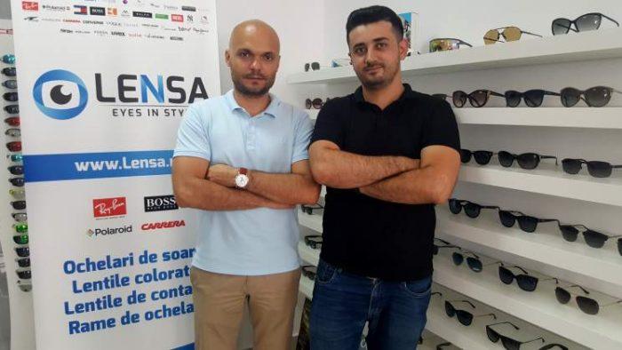 Povestea celor doi antreprenori români care au construit Lensa.ro, o afacere de aproape un milion de euro