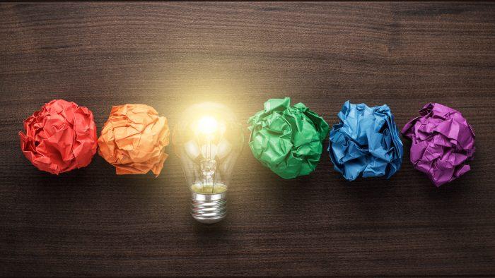 Încurajează şcoala creativitatea?