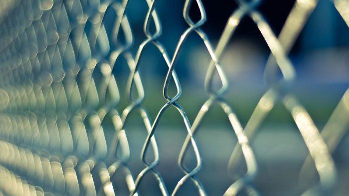 La cât ajung salariile celor care supraveghează deţinuţii