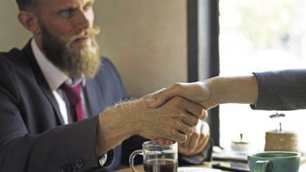 Este poate cel mai delicat moment. Planul de succesiune: Cine rămâne la conducerea companiilor?