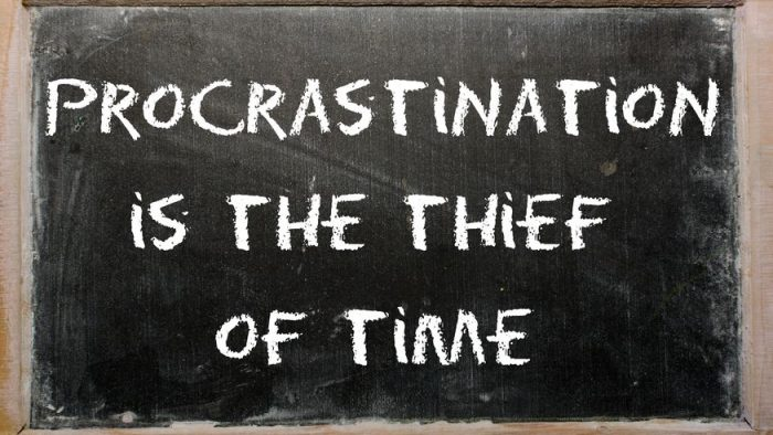 Viața-i scurtă, procrastinarea lungă
