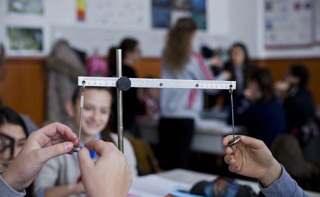 """În România: Comunitatea """"profesorilor altfel"""" și metodele moderne în lucrul cu elevii"""