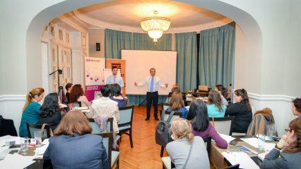 Arta vorbitului în public: Apelează la emoţie, spune poveşti, respectă-ţi audienţa