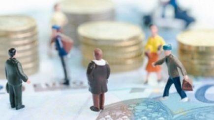 Raportul pensionari versus salariaţi, de 9 la 10
