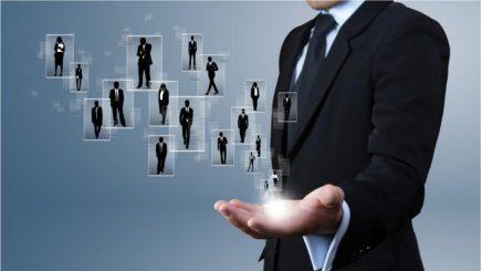 Cine intră în luptă cu giganții din piața recrutărilor