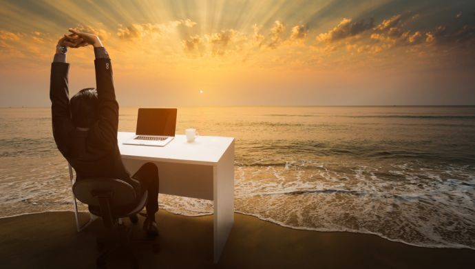 Remote sau de la birou? Angajații se simt mai productivi acasă