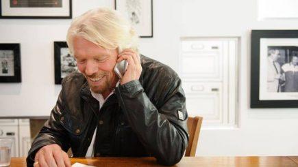 Cum arată o zi din viaţa lui Richard Branson: la ce oră se trezește și care sunt regulile pe care le respectă în fiecare zi