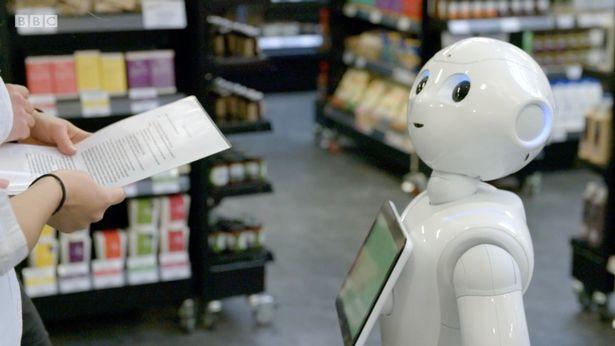Robot concediat după o săptămână pentru că încurca clienții