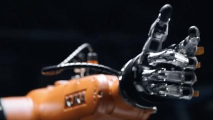 Un robot cu rol de asistent al familiei