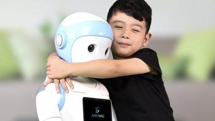 Educație: Robotul, cel mai bun prieten al copilului japonez