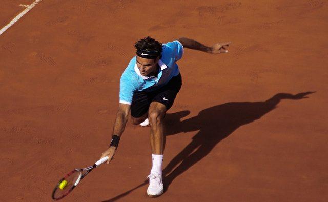 Roger Federer a câştigat 2,2 milioane de lire pentru victoria în finala de la Wimbledon. Dar cât au primit copiii de mingi?