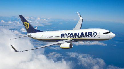 Greva controlorilor de trafic taie din profiturile companiilor aeriene