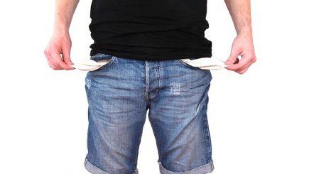 Taxele pe muncă se mută la angajat. Salariile nete vor scădea de la 1 ianuarie, mai ales la privat
