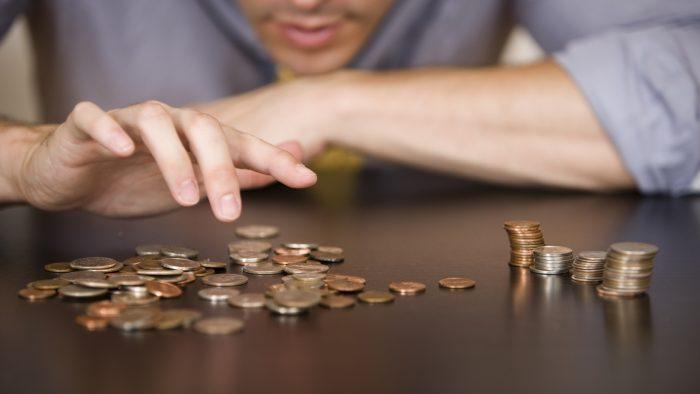 Salariul minim crește diferențiat de la 1 ianuarie 2019