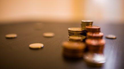 România are aproape cel mai mic salariu minim din Europa