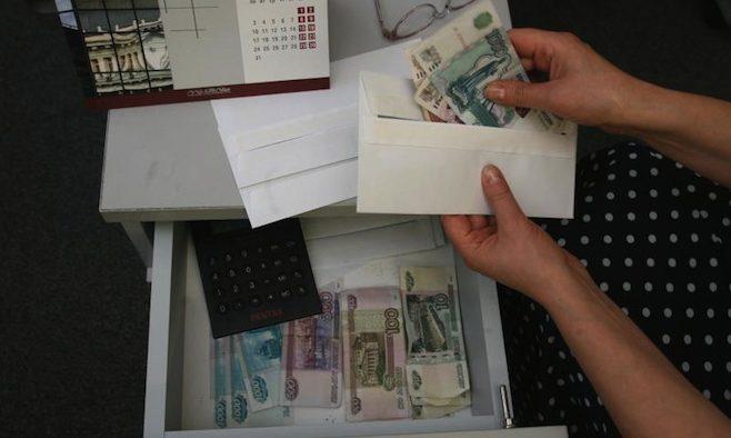 Salariul minim în Rusia rămâne sub pragul sărăciei deși Putin l-a majorat
