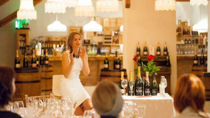 Soirée de Champagne. Momentul în care efervescența magică a șampaniei se transformă în eternitate