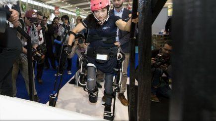 Exoscheletul Twiice, principala atracție de la Salonul de Invenții de la Geneva