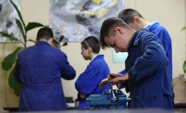 Școala profesională, ucenicia și practica vor fi considerate vechime în muncă