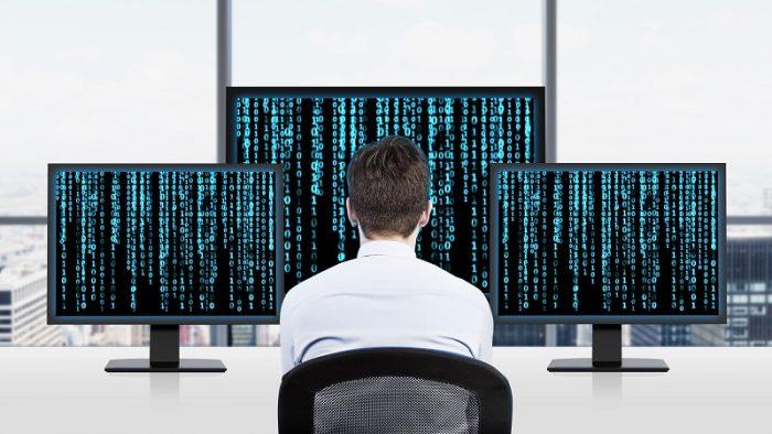 Analiza. Salariile IT-iștilor au crescut cu 42%  în ultimii cinci ani