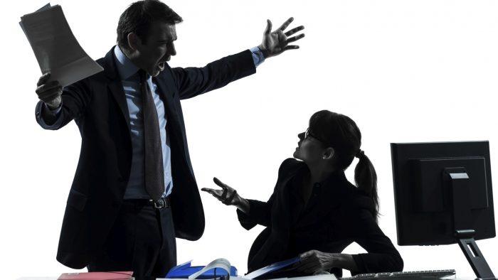 De ce e rău să ai un șef care nu are încredere în propriile forțe