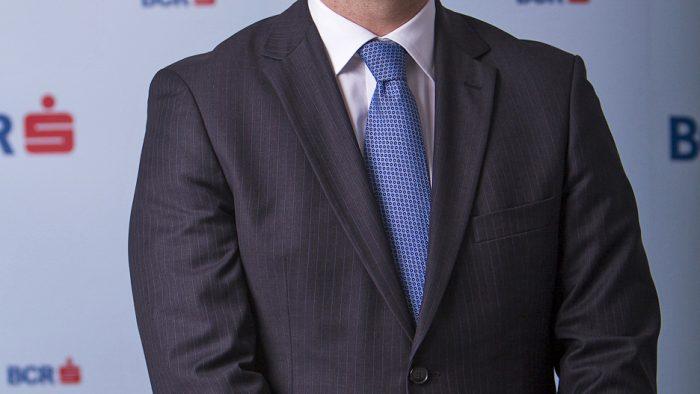 Schimbare la vârful BCR: Sergiu Manea devine primul CEO român al băncii