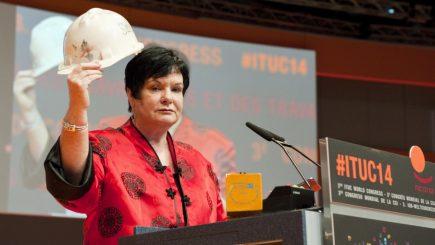 Drepturile angajaţilor din România, încălcate sistematic