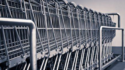 Studiu: serviciile din hipermarketuri lasă de dorit. De ce sunt nemulțumiți clienții