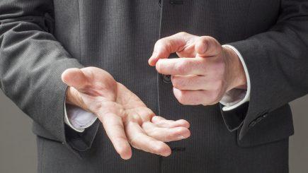 Adevărații lideri vorbesc cu mâinile
