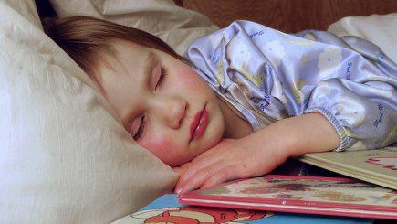 Efectele poveștilor de noapte bună asupra dezvoltării copiilor
