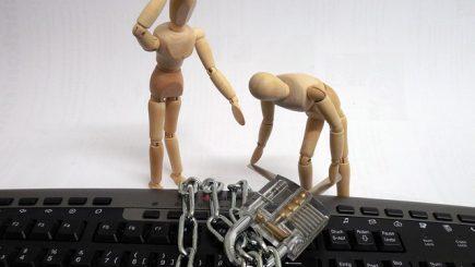 Nu ştim cum să alegem parolele pe Internet, iar acest lucru poate avea consecinţe grave