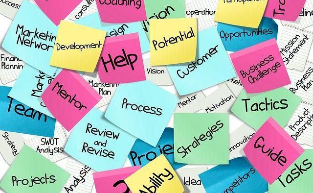 Cum ne poate ajuta consilierea în carieră să ne (re)găsim traseul profesional