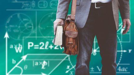 Un profesor român câștigă de 21 de ori mai puțin decât unul din Luxemburg