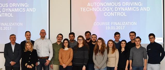 Studenții din Cluj pasionați de mașinile autonome