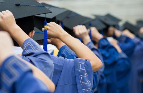 Peste 400 de joburi pentru absolvenții de MBA