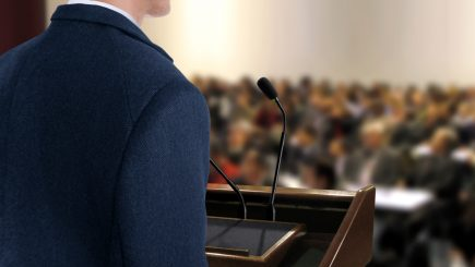 Studiu: Veniturile unei companii influenţează strategia de comunicare