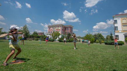 Din 3 iulie, British School of Bucharest dă startul Școlii de Vară!