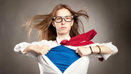 Cum să fii un erou la birou? Stăpânește cele 4 superputeri ale momentului