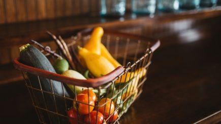 Legea cu 51% alimente locale, promulgată