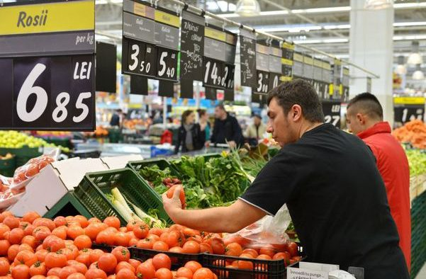 Supermarketurile, pregătite să primească legume românești de sezon
