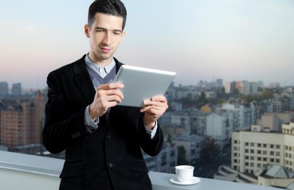 Smartphone-ul şi tableta – televizorul noii generaţii