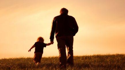 Concediul paternal se prelungeşte de la 5 la 10 zile lucrătoare