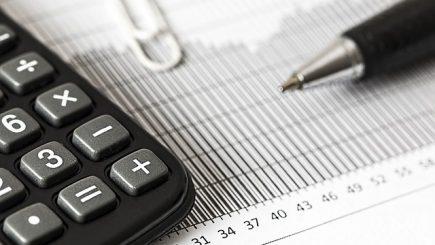 Doar 45% din companiile din România își plătesc la timp furnizorii și dările la stat