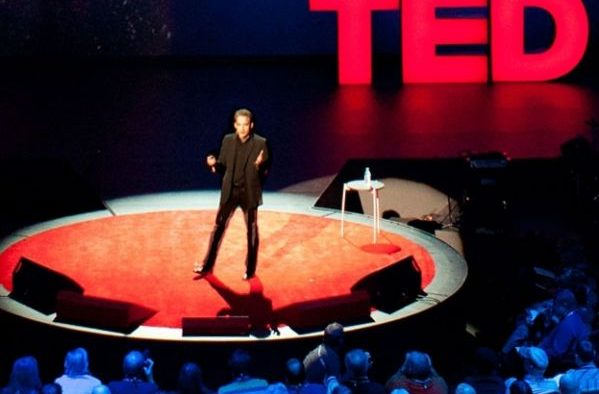 Cum să fii la fel de convingător ca un speaker de la TED