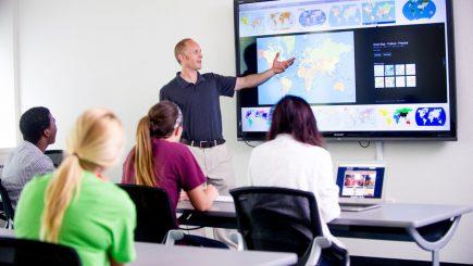 Provocările noilor tehnologii în învăţământul superior